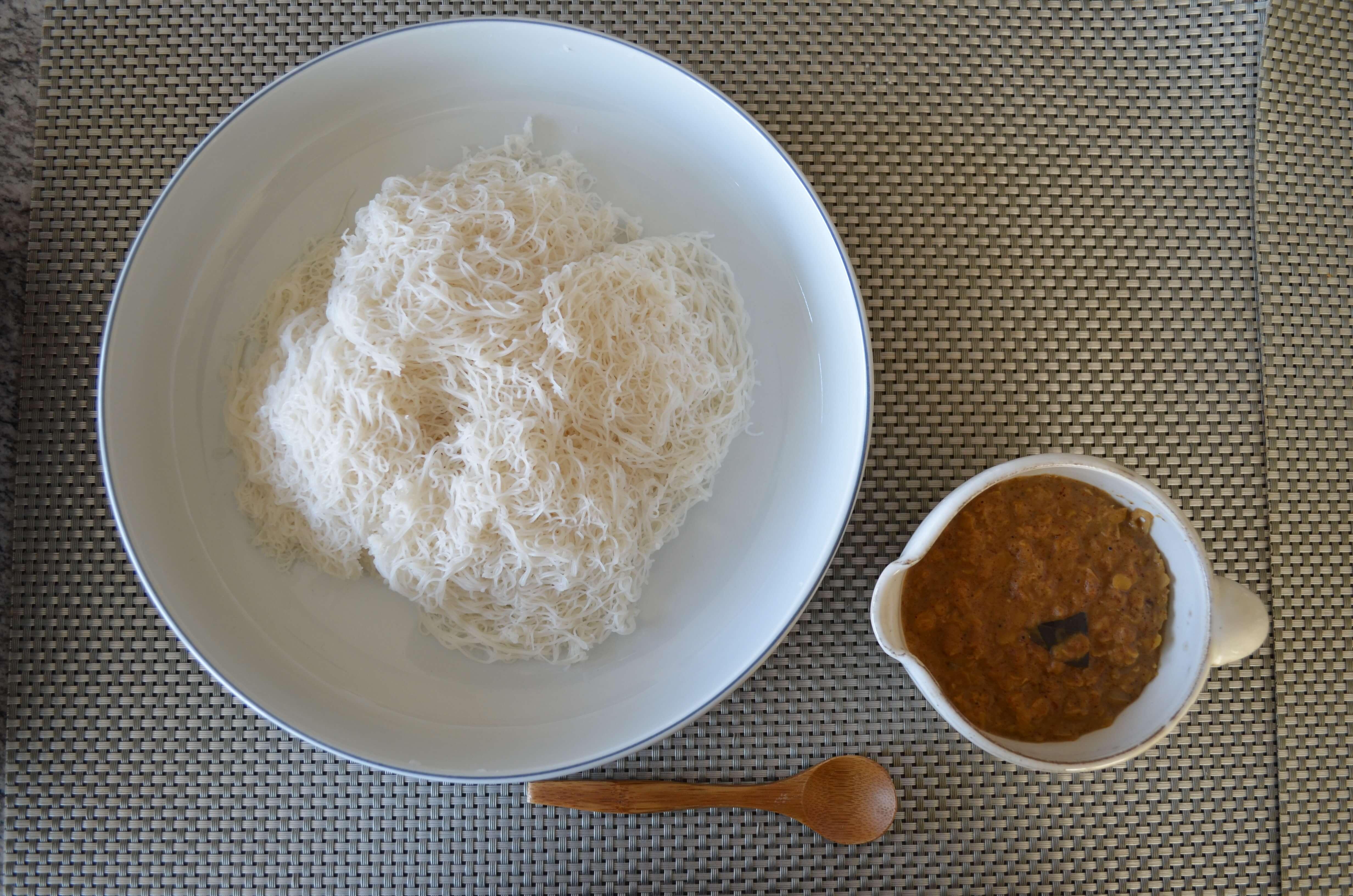インディアッパ・豆カレー